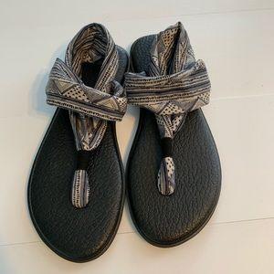 Women's size 9 Sanuk yoga sling sandal.